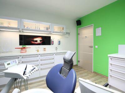 Zahnarztpraxis Krecker Behandlungsraum 4