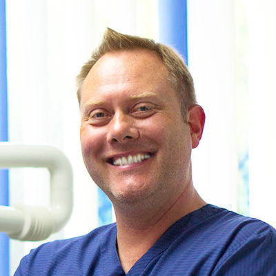 Zahnarzt Matthias Krecker